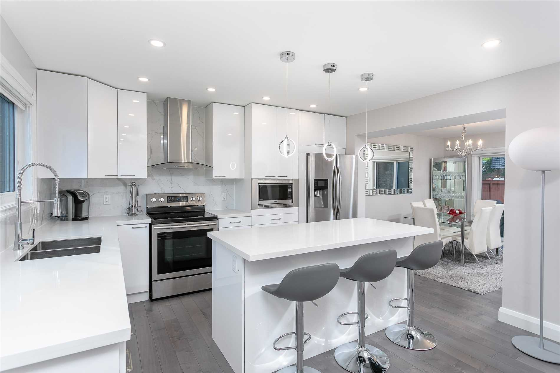 915 Sweetwater Cres, Mississauga W4354334
