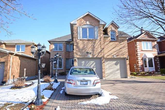 943 Ceremonial Dr, Mississauga W4370744