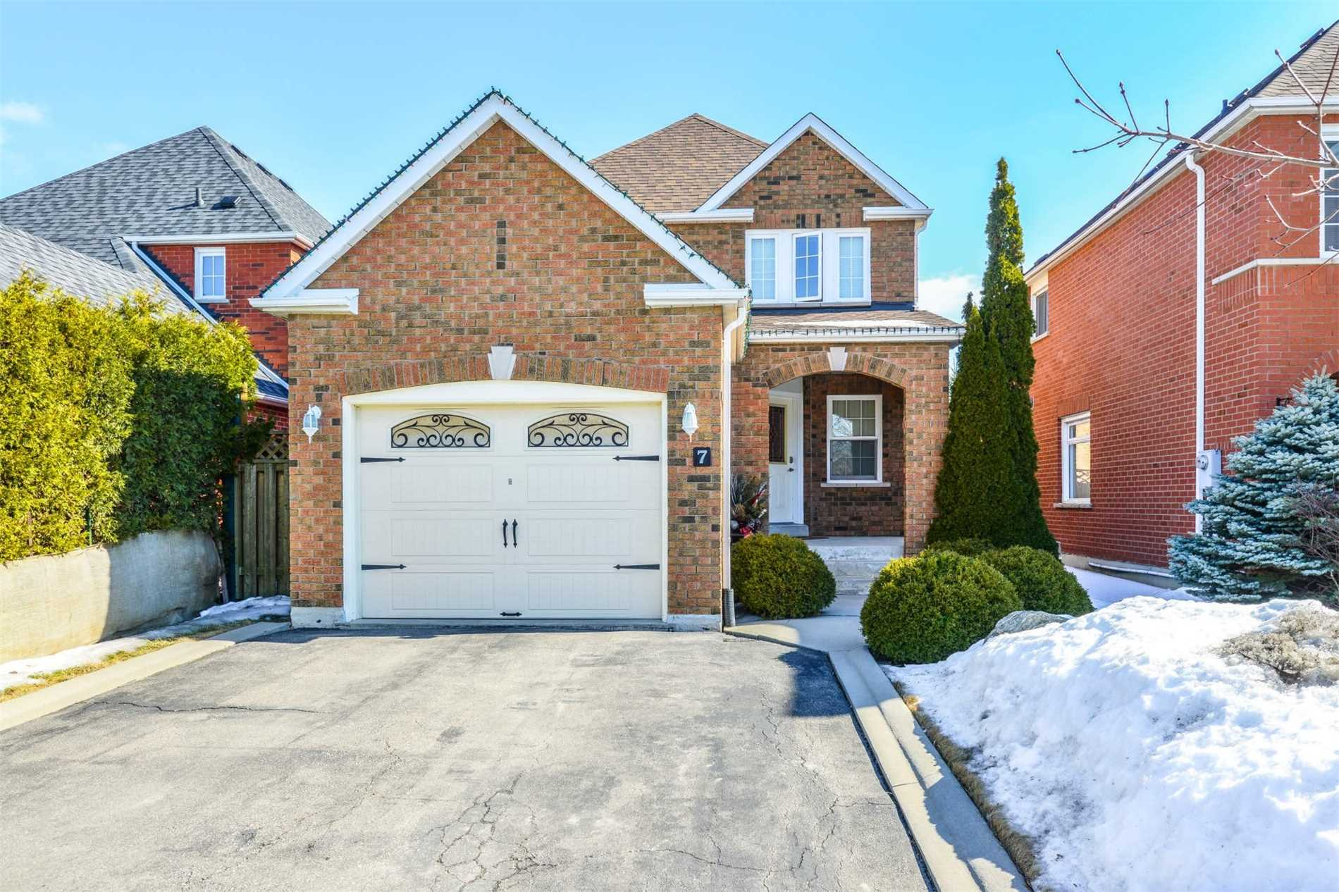 7 Twisted Oak St, Brampton W4381287