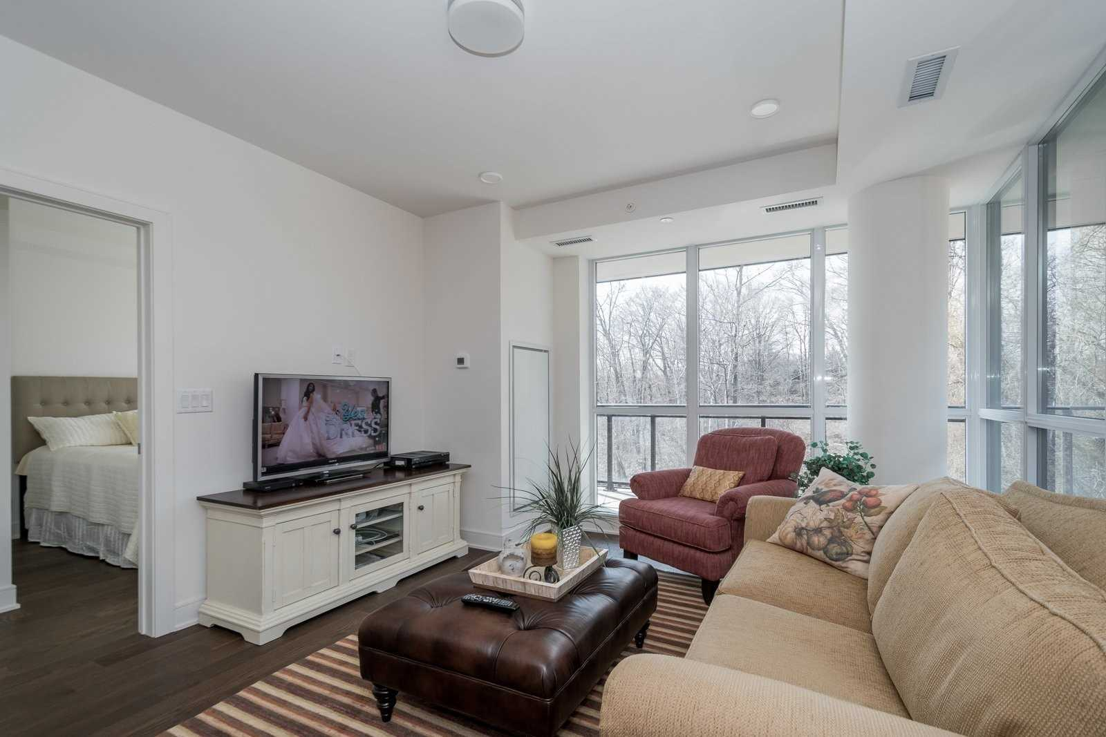 #208 - 1575 Lakeshore Rd W, Mississauga W4388901