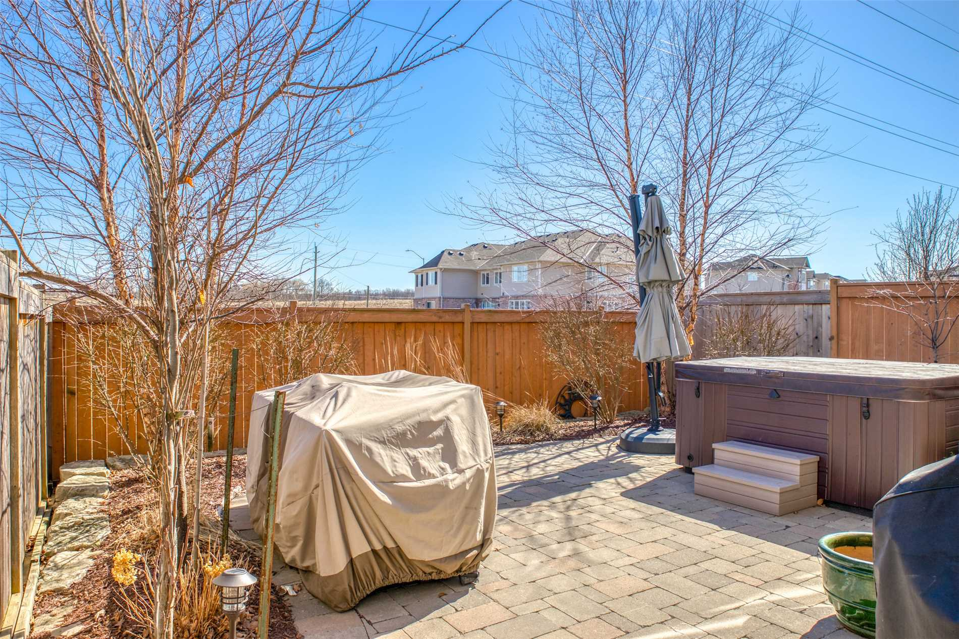 2019 Trawden Way, Oakville W4396121