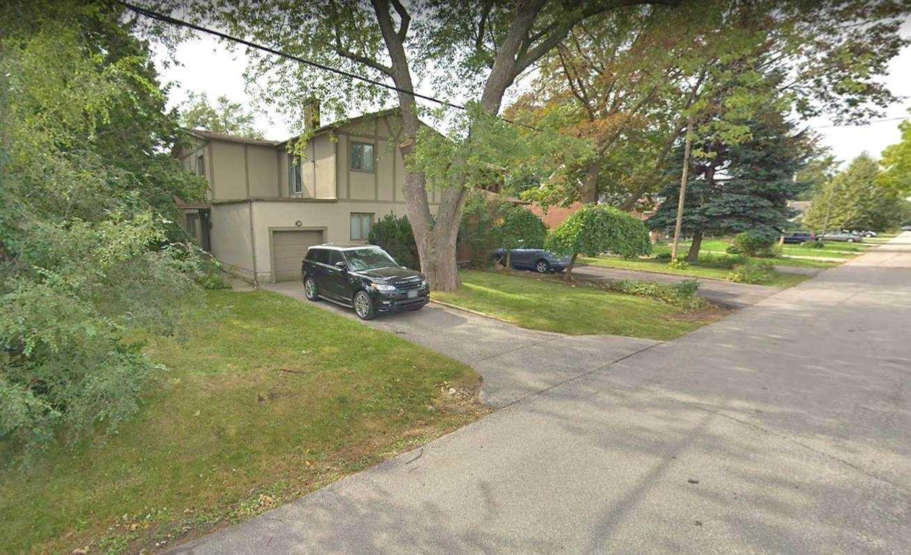 39 Oakfield Dr, Toronto W4400025