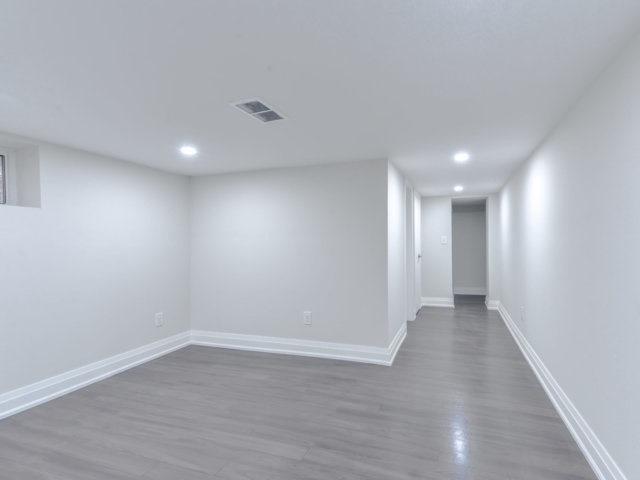 2043 Ghent Ave, Burlington W4400160