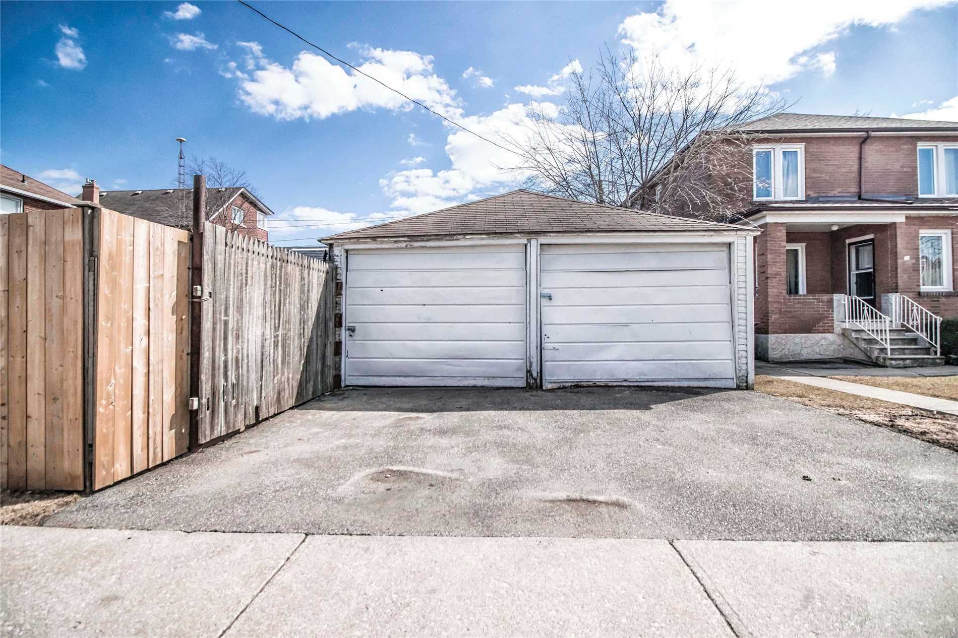 114  Royal York  Rd, Toronto W4401667