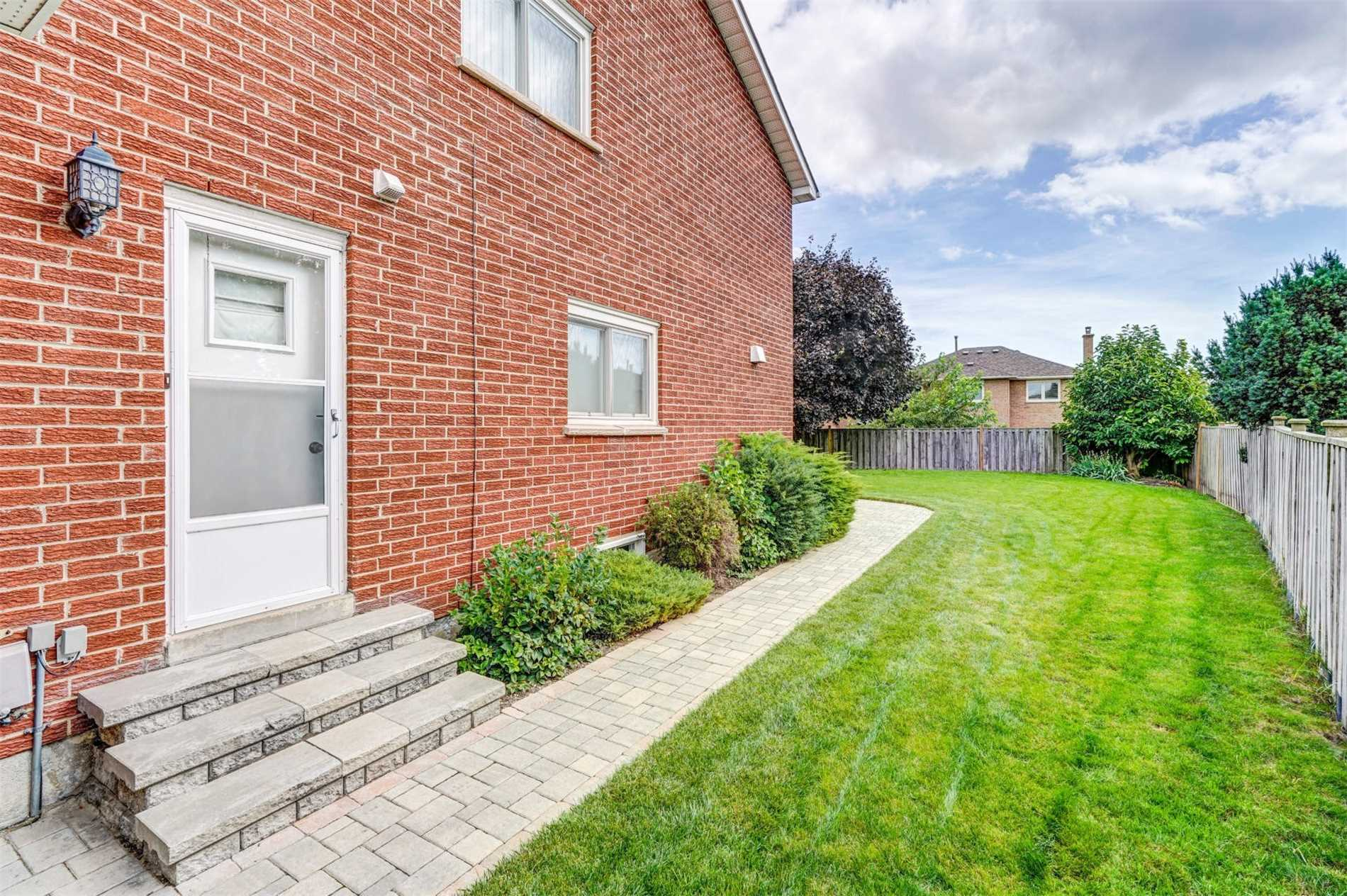 4151 Prince George Ave, Mississauga W4405131
