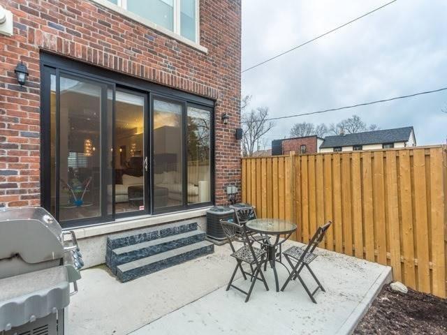 1012 Shaw St, Toronto W4408357