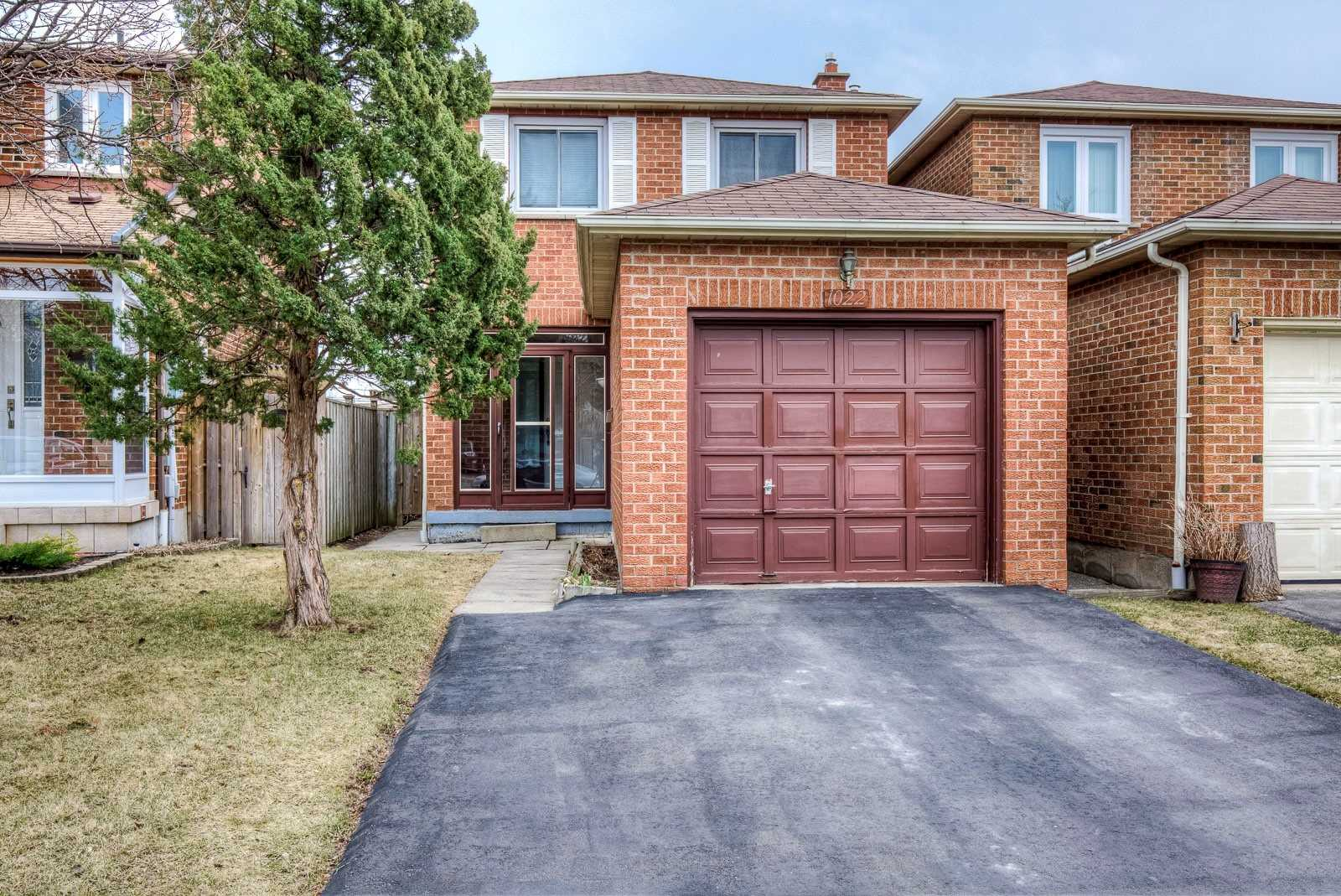 1022 Whispering Wood Dr, Mississauga W4408433
