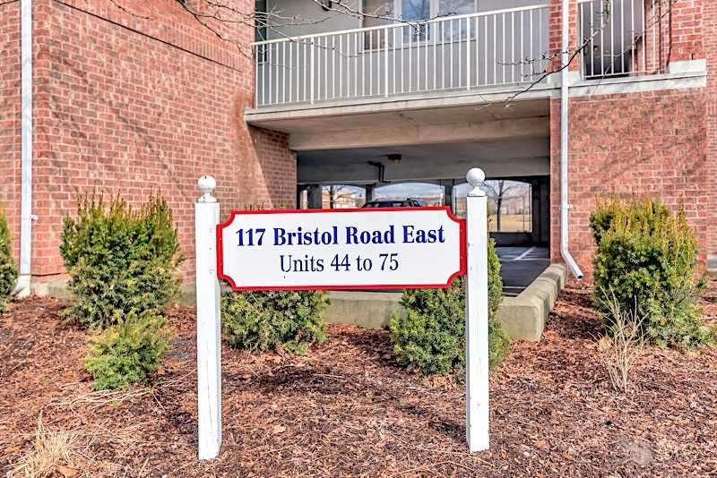 #45 - 117 Bristol Rd E, Mississauga W4410561