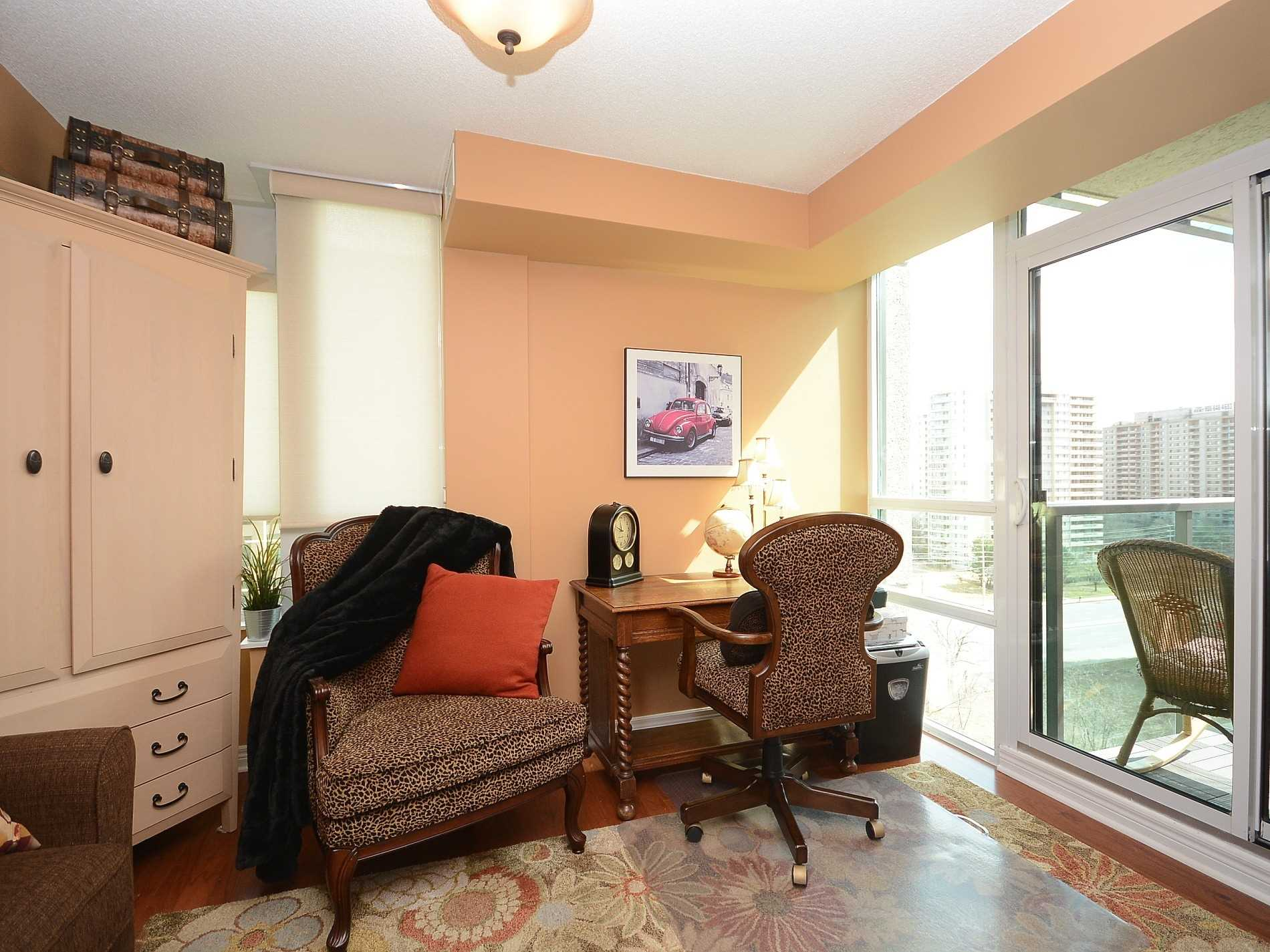 #903 - 208 Enfield Pl, Mississauga W4410883