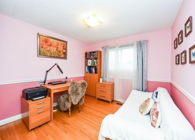944 Hampstead Crt, Mississauga W4413662