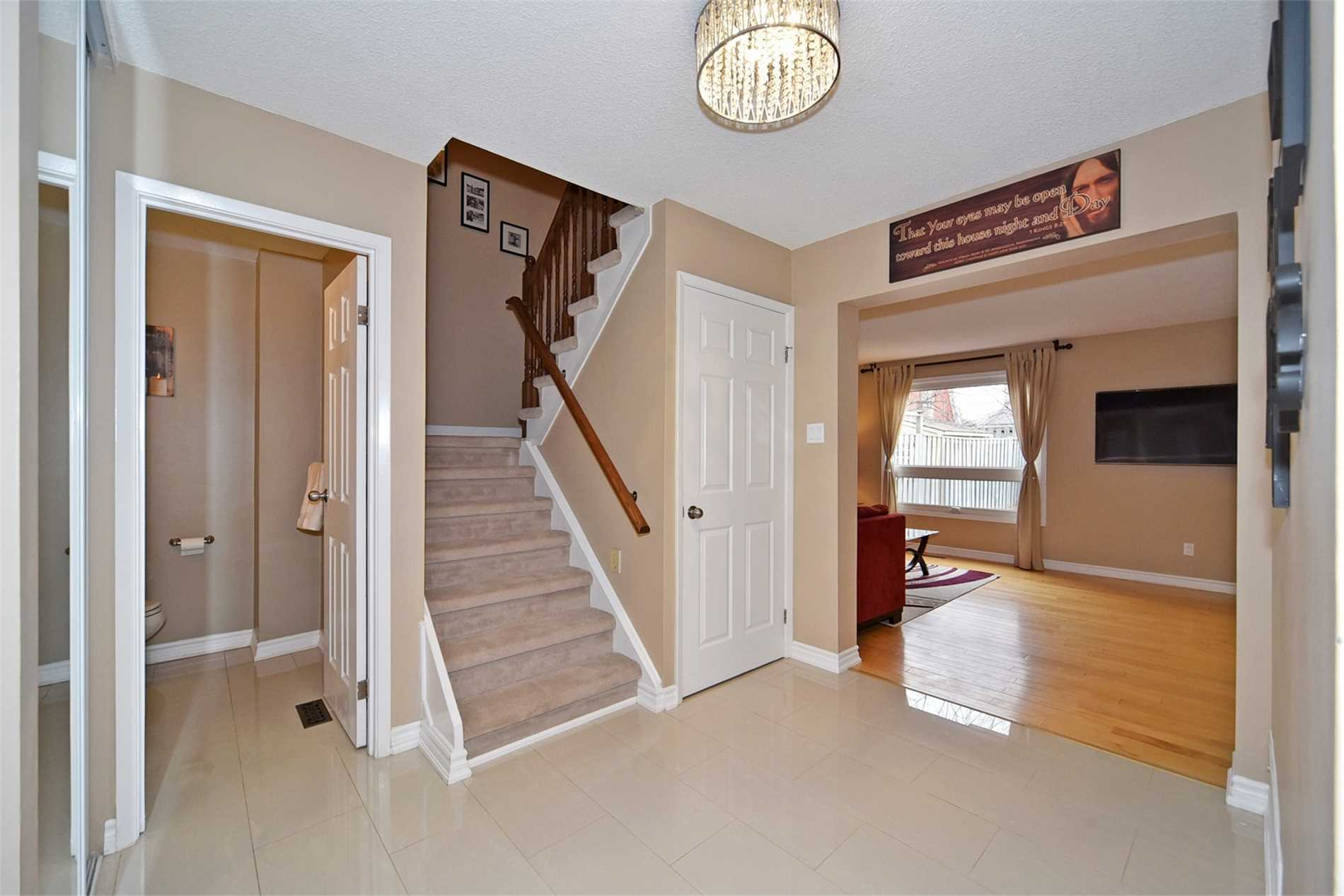 2984 Oslo Cres, Mississauga W4413833
