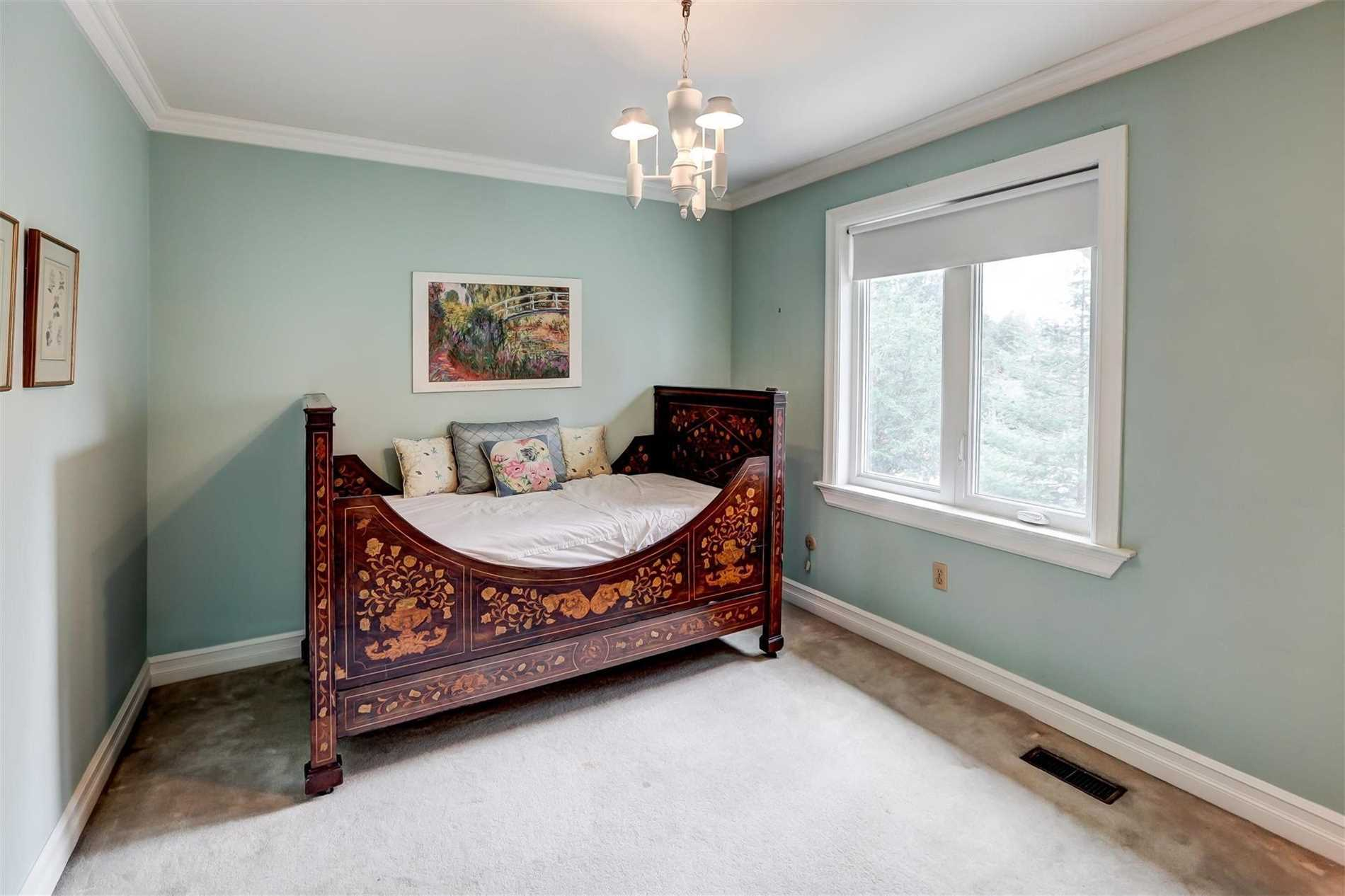 1540 Point-O-Woods Rd, Mississauga W4423158