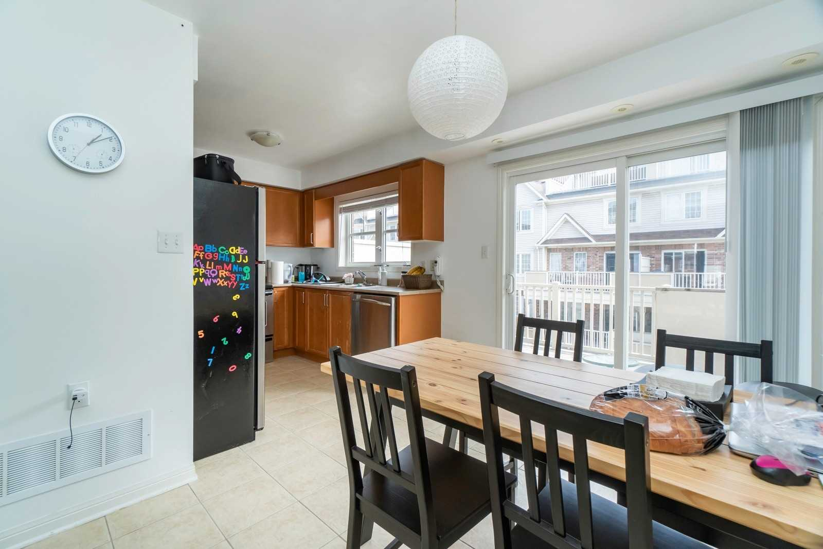 #2 - 750 Neighbourhood Circ E, Mississauga W4432612