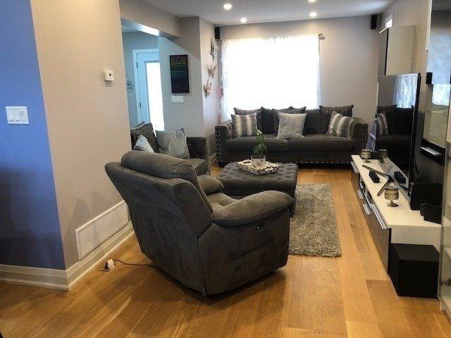 58 Chamberlain Ave, Toronto W4444331