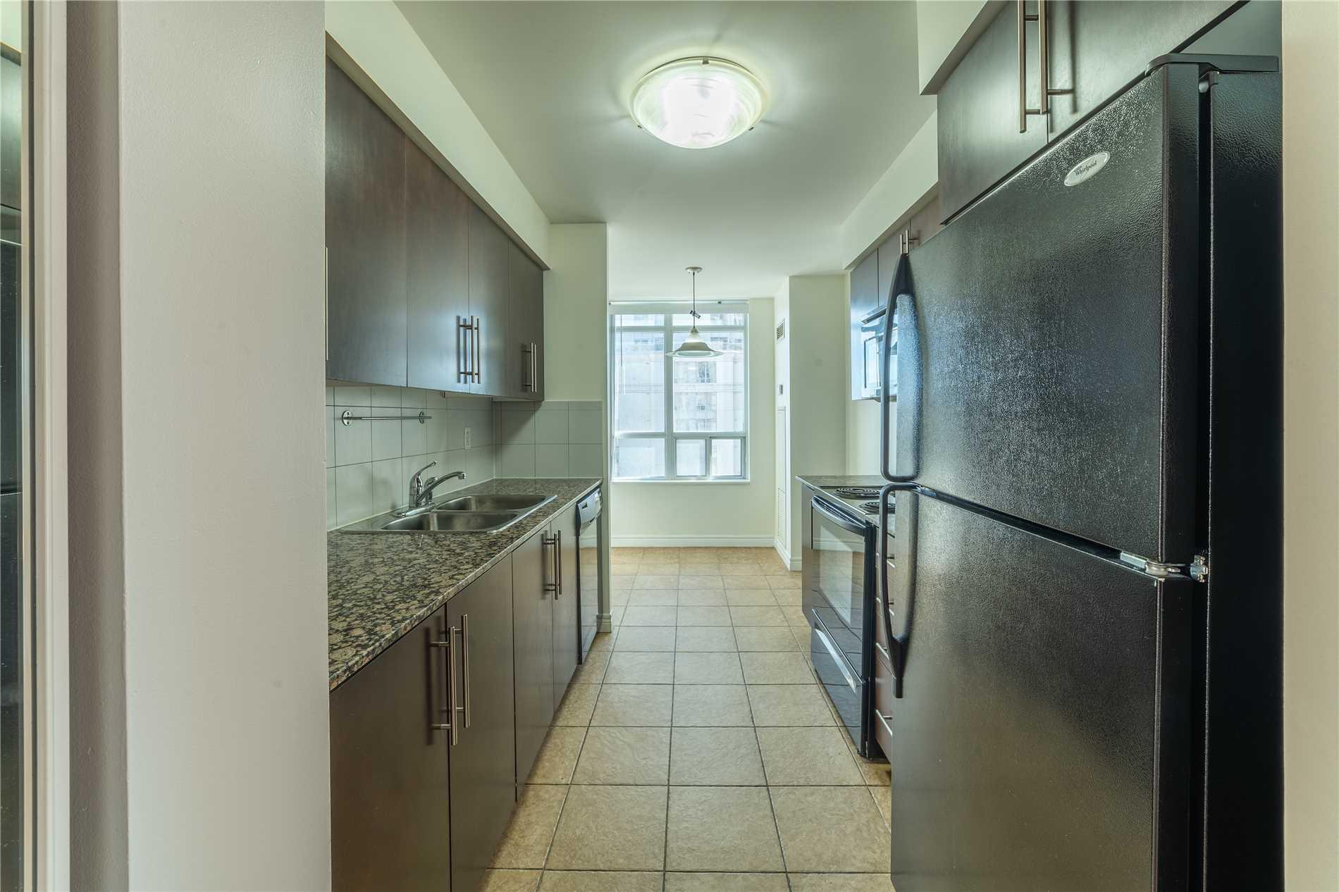 #906 - 310 Burnhamthorpe Rd W, Mississauga W4450401