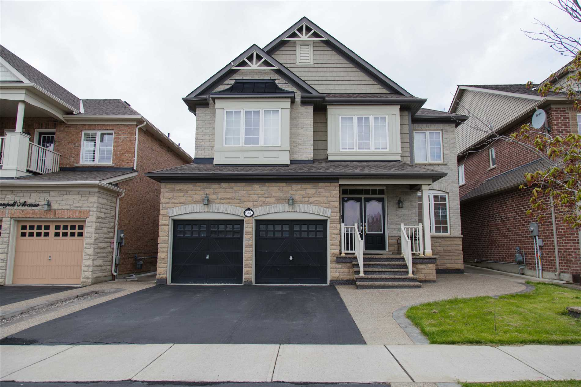 240 Dougall Ave, Caledon W4461134