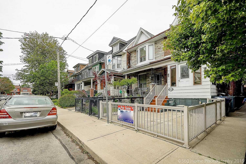 140 Essex St, Toronto W4463680