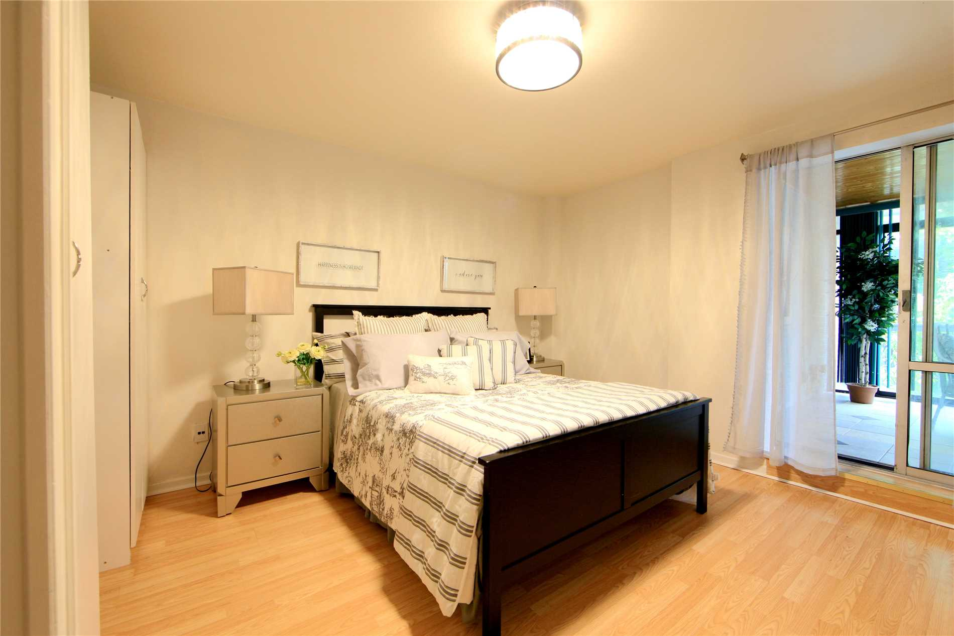 #101 - 3025 The Credit Woodlands, Mississauga W4475183