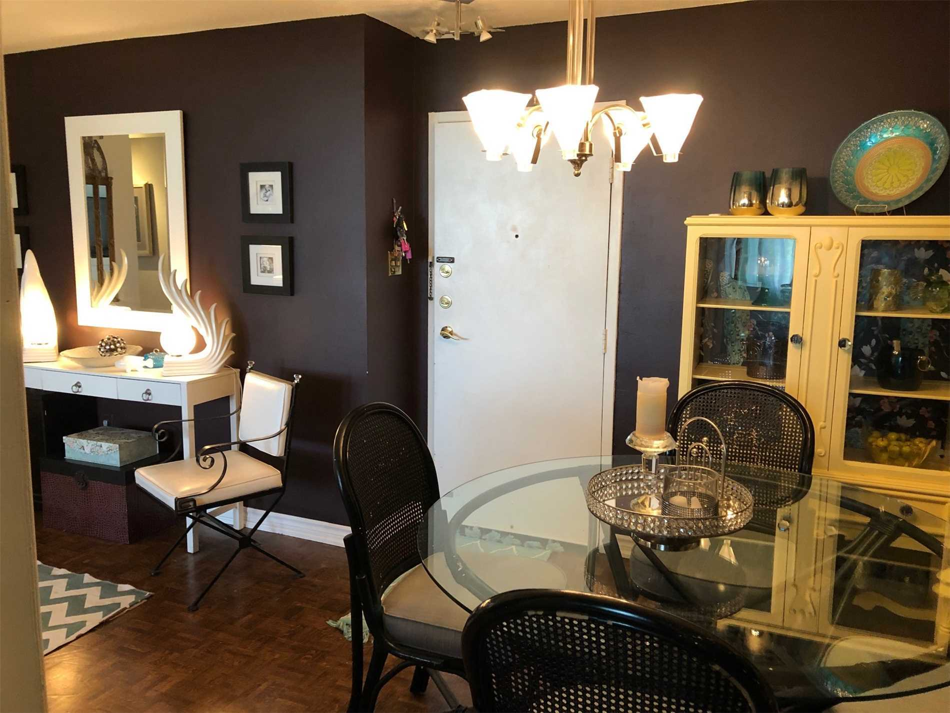 #702 - 966 Inverhouse Dr, Mississauga W4513793