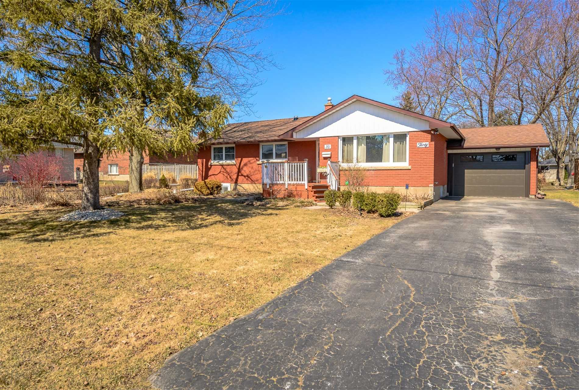 30 Sharon Ave, Welland X4397217