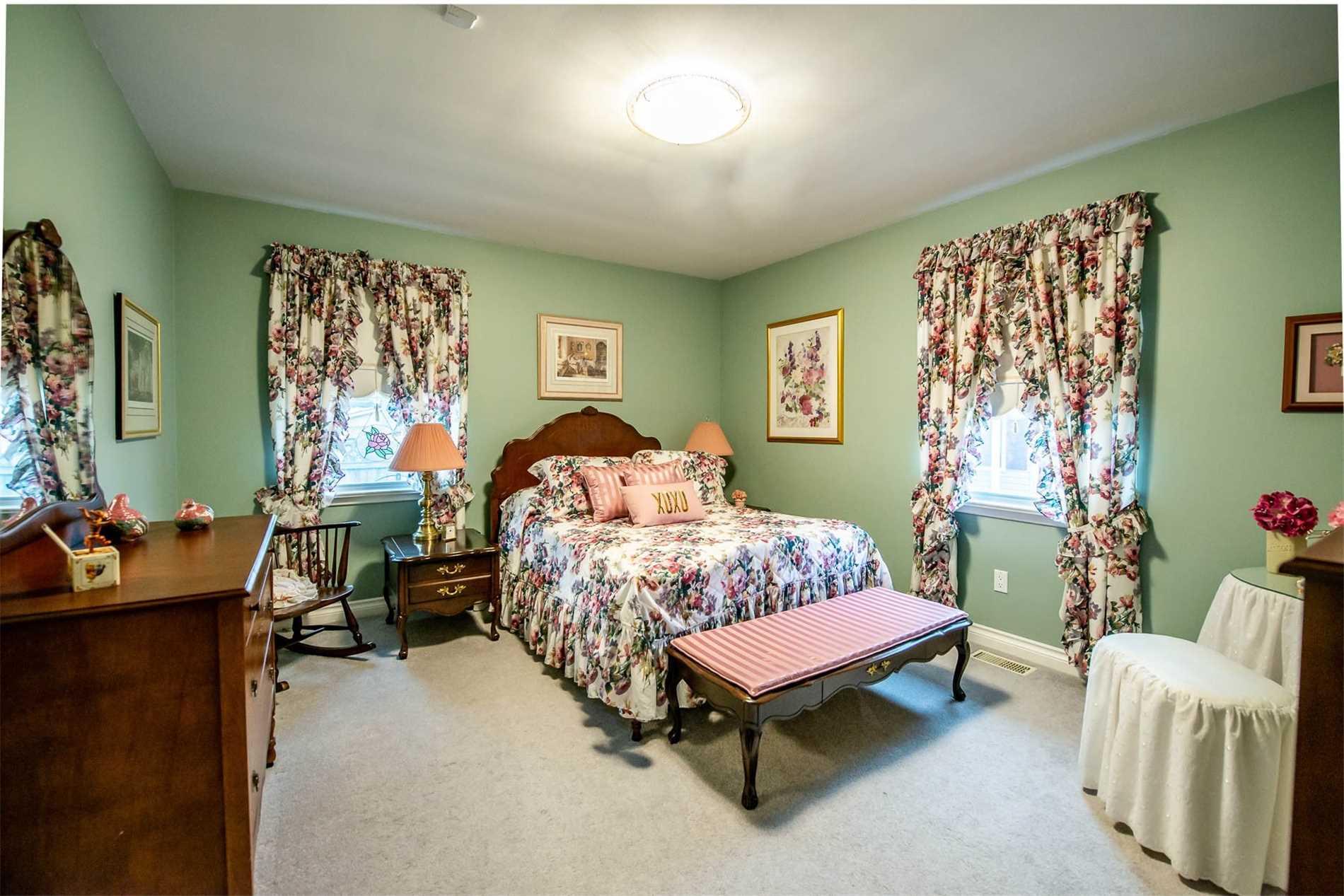 20 Home St, Welland X4409098