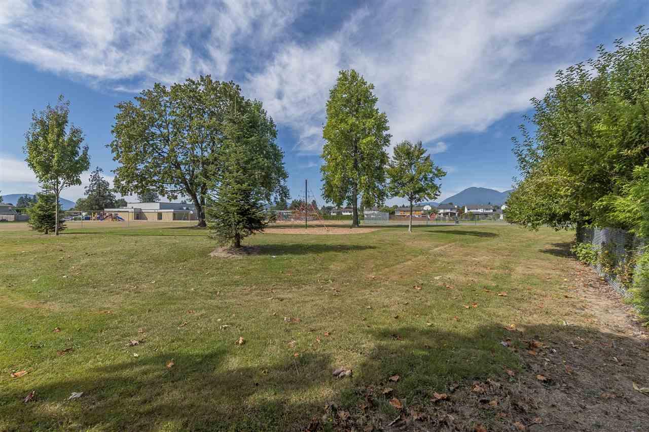 46452 SEAHOLM Crescent, Chilliwack R2404793