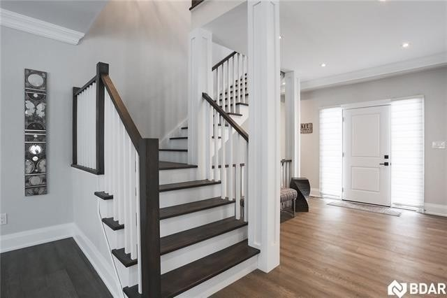 49 Cook St, Barrie S4470338