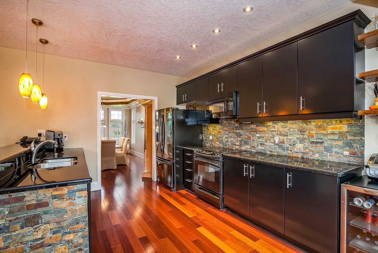 11 Hill St, Collingwood S4473827