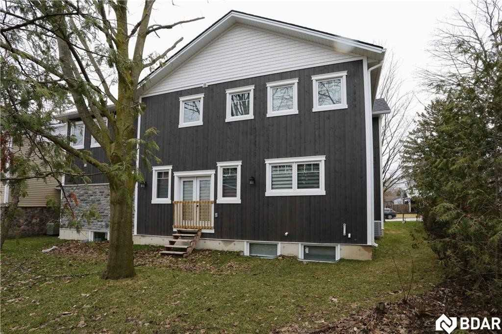 49 Cook St, Barrie S4557753