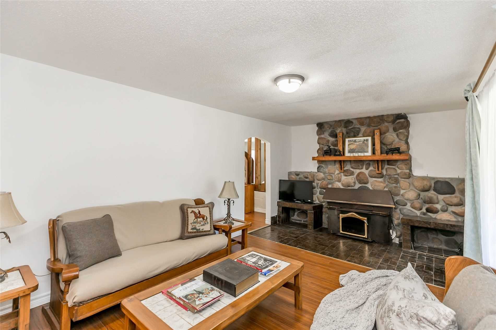 1087 Carson Rd, Springwater S4562780