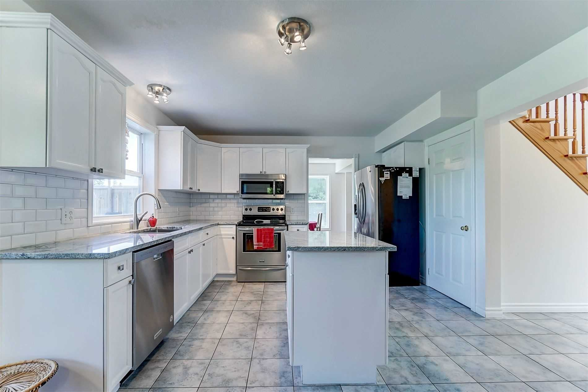 3880 Concession 12 Clse, Clearview S4585698
