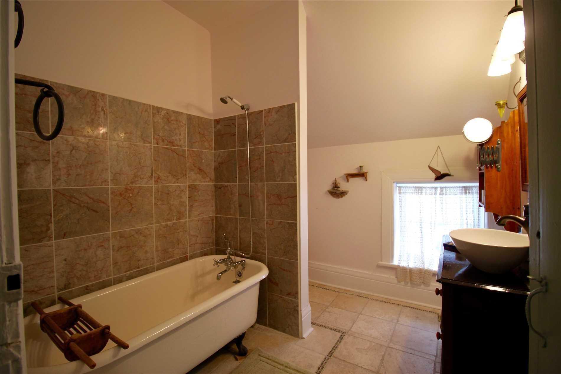 239 Champlain Rd, Penetanguishene S4659719