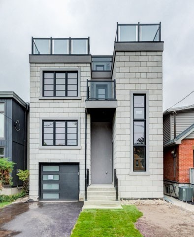 10 First St, Toronto W4431038