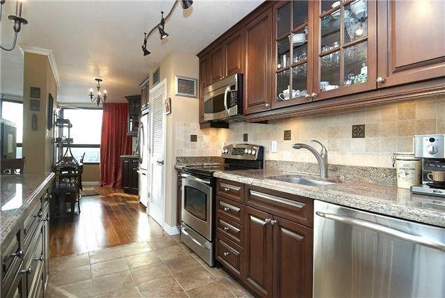 #2011 - 1300 Bloor St, Mississauga W4451724