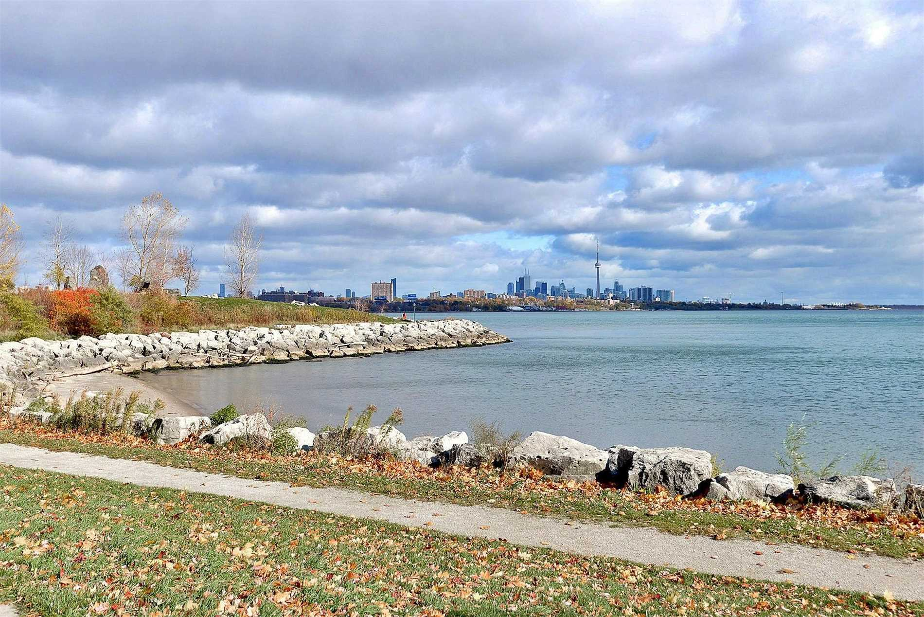 #2401 - 1 Palace Pier Crt, Toronto W4471081