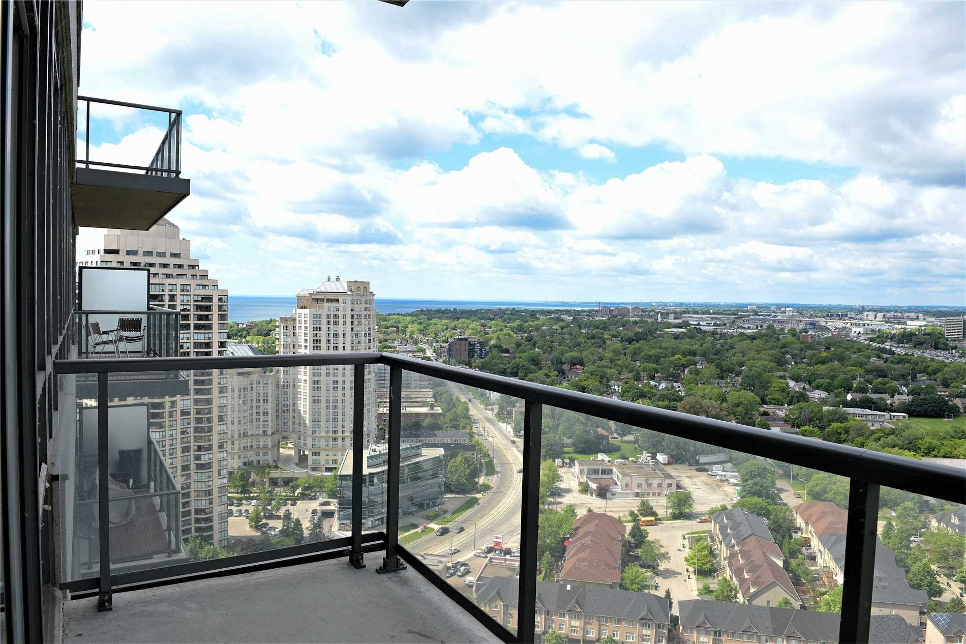 #Lp03 - 15 Legion Rd, Toronto W4498012