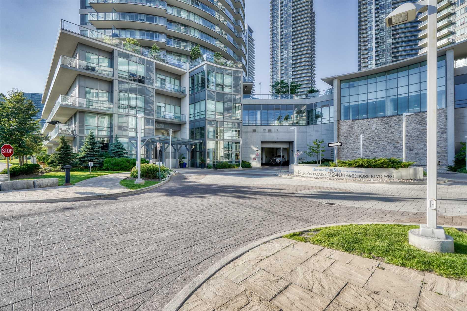 #806 - 15 Legion Rd, Toronto W4502644