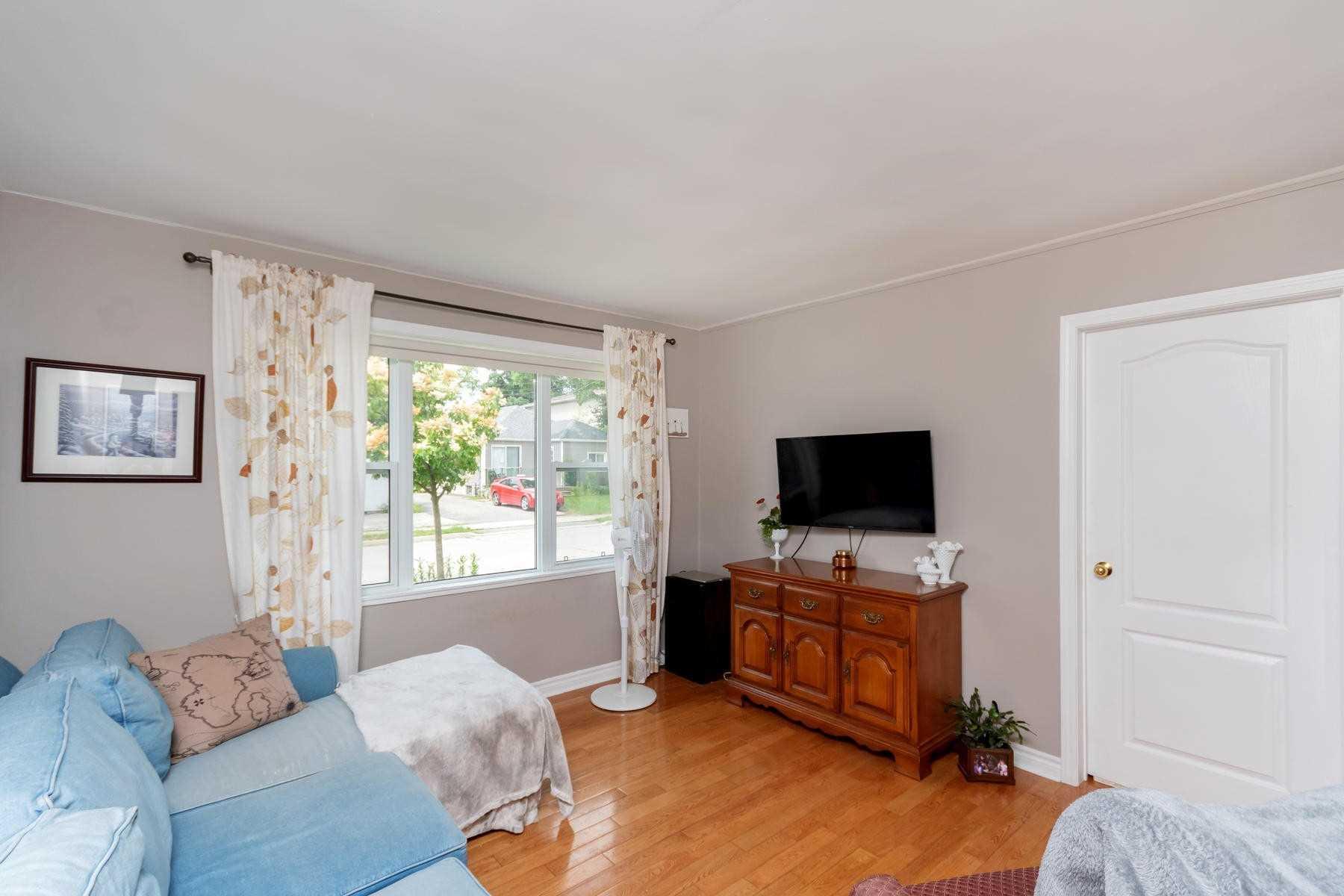 19 Academy Rd, Halton Hills W4511668