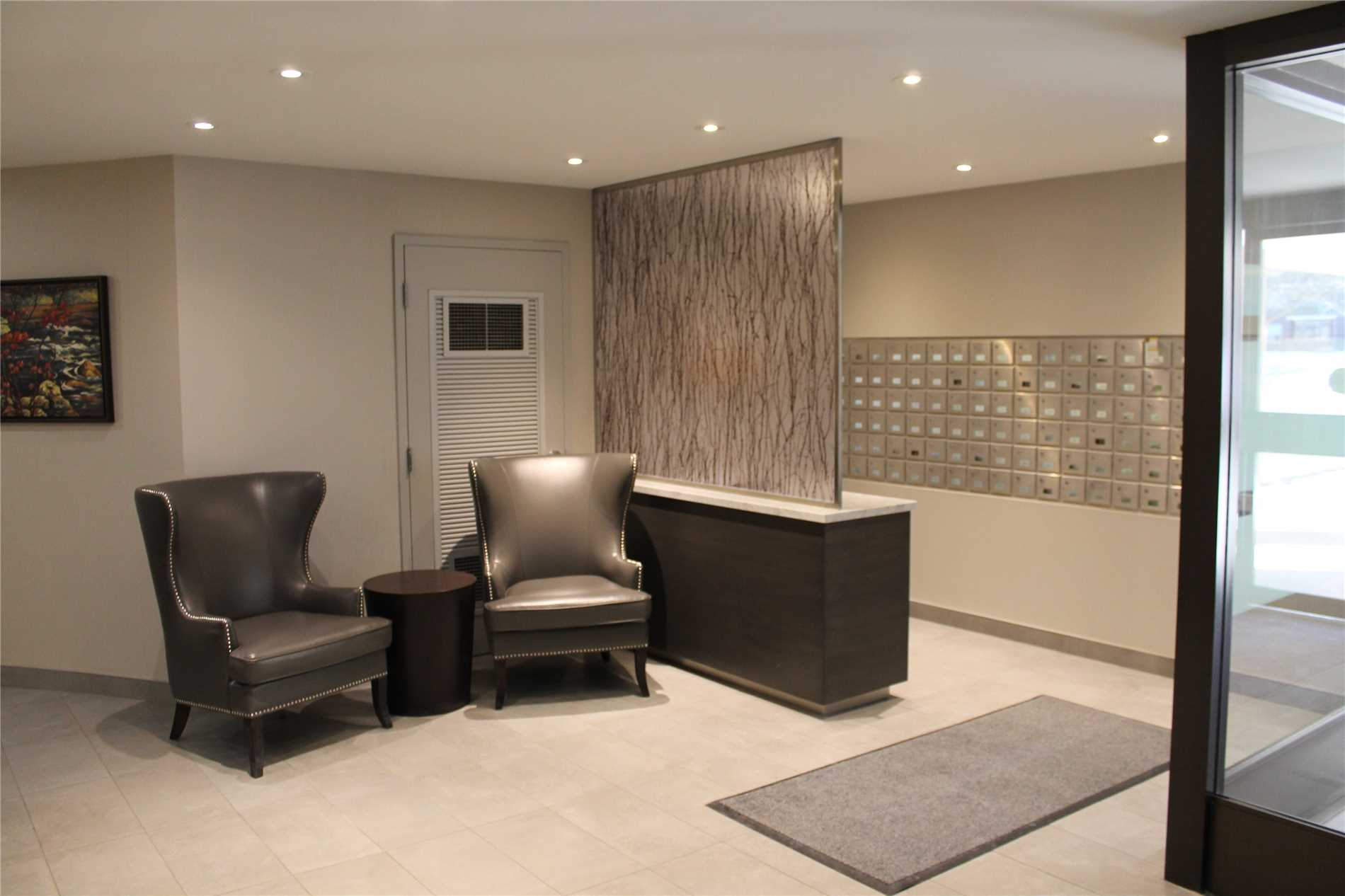 #907 - 965 Inverhouse Dr, Mississauga W4524037