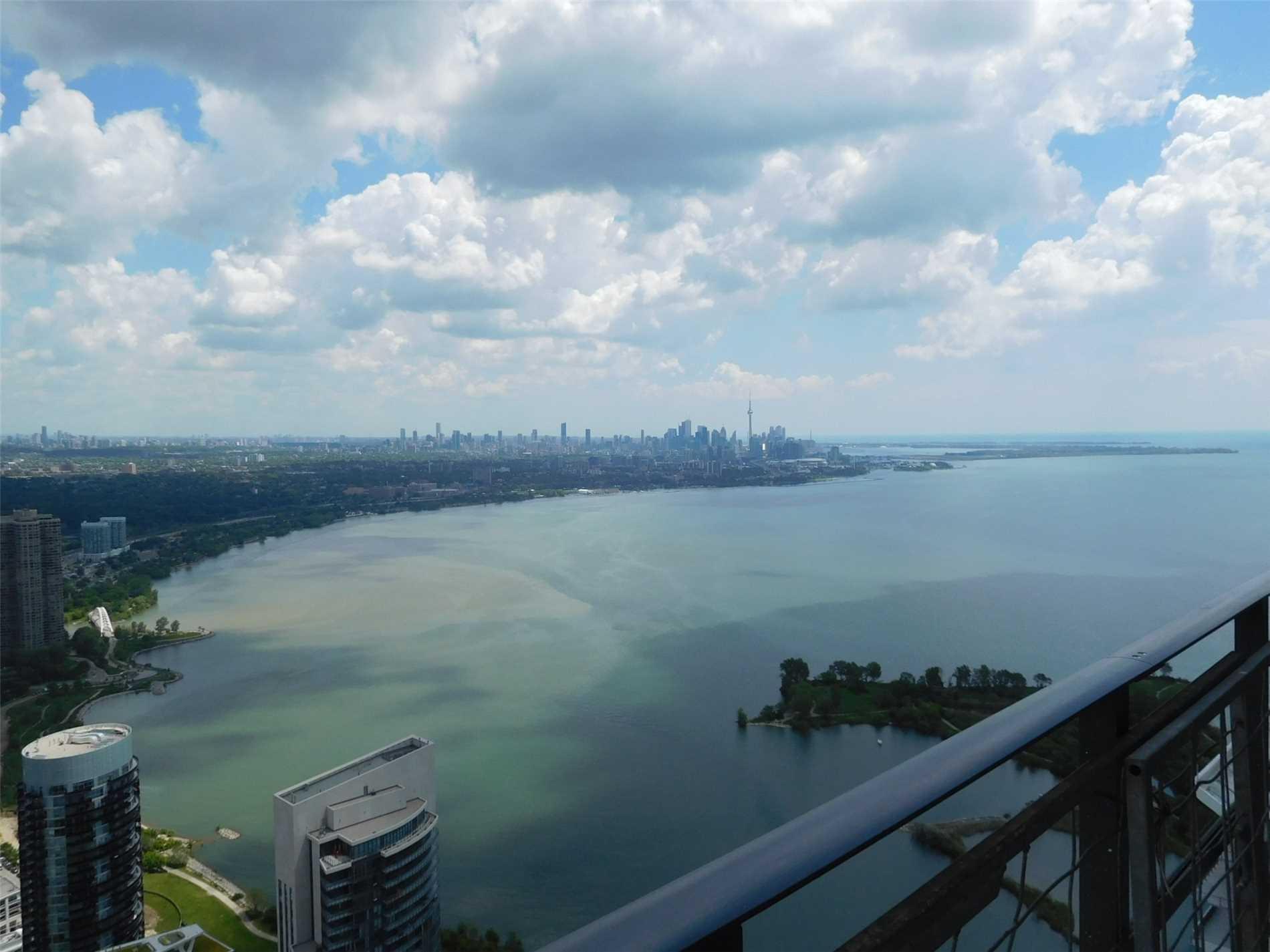 #Uph01 - 30 Shore Breeze Dr, Toronto W4525627