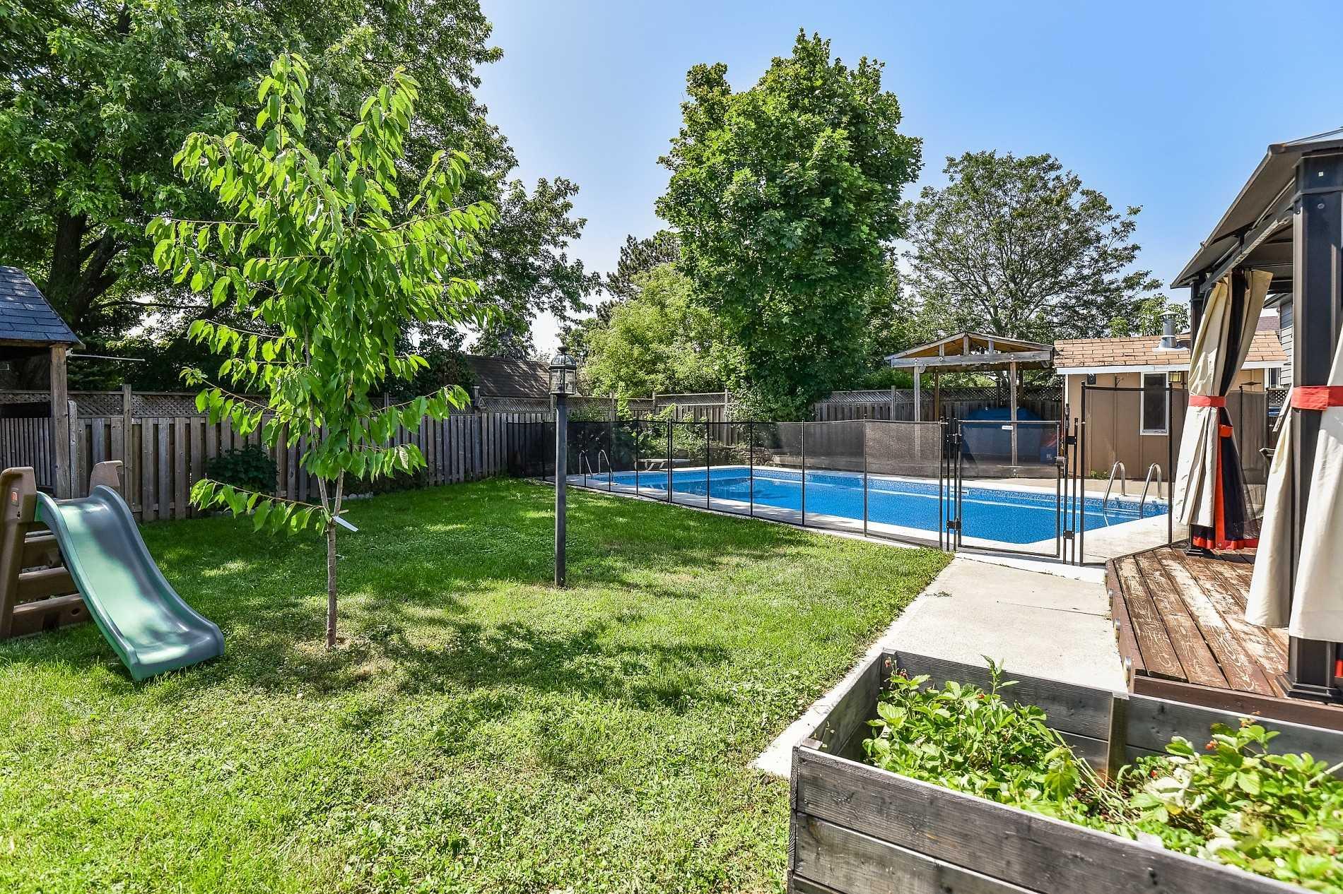 104 Moore Park Cres, Halton Hills W4536558