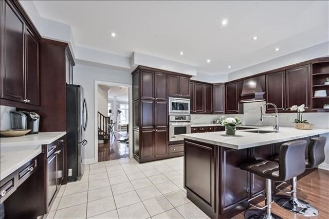 18 St Lawrence Dr, Mississauga W4541444