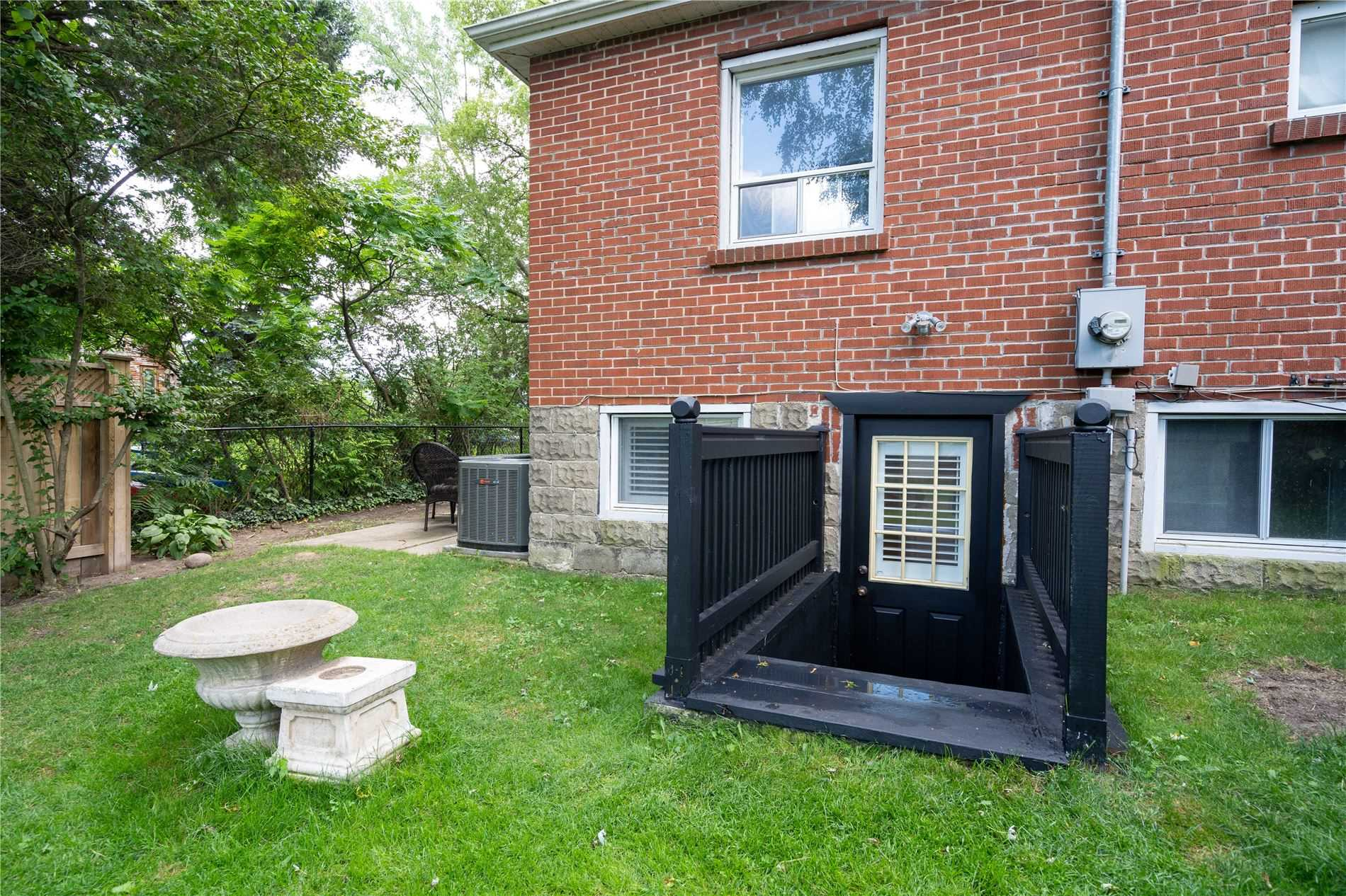 27 Peter St S, Mississauga W4542767