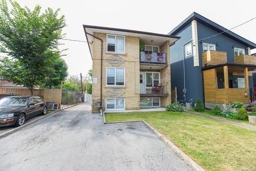 11 Vanevery St, Toronto W4543159