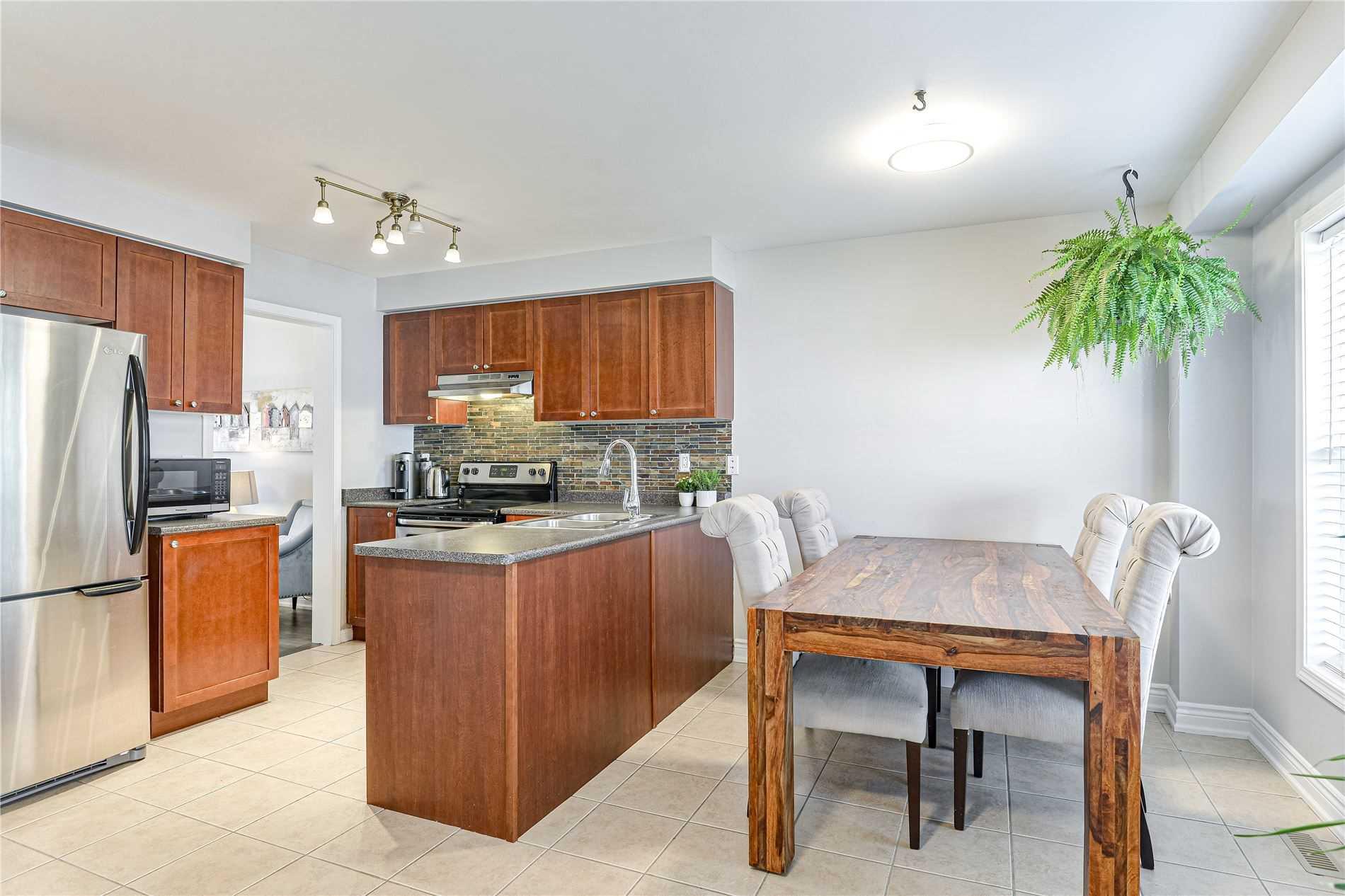 27 Seed House Lane, Halton Hills W4543210