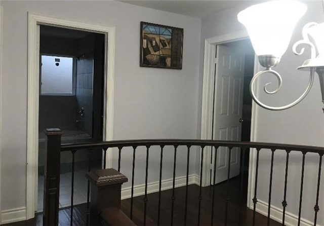 1352 Cawthra Rd, Mississauga W4543747