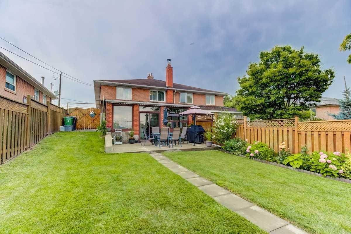 98 Brewster Cres, Toronto W4544181