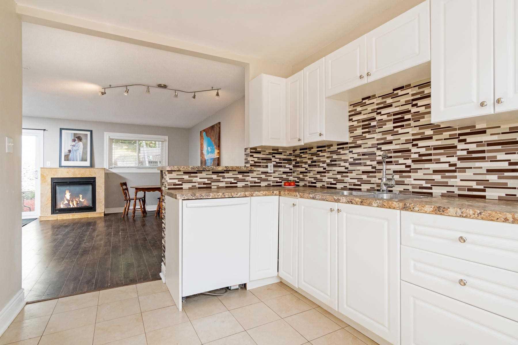 51 Kingham Rd, Halton Hills W4550356