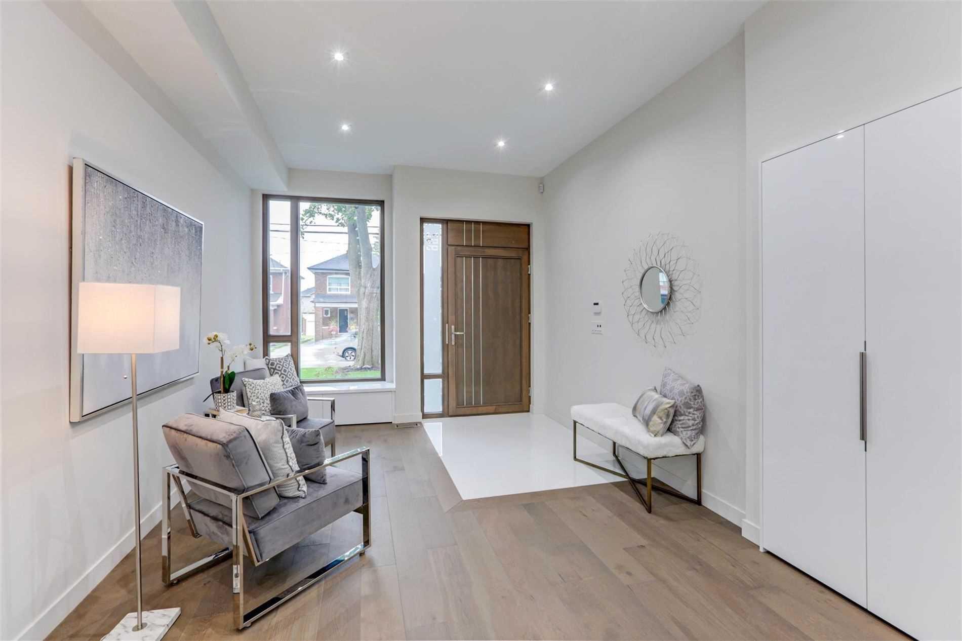 296 Windermere Ave, Toronto W4559494
