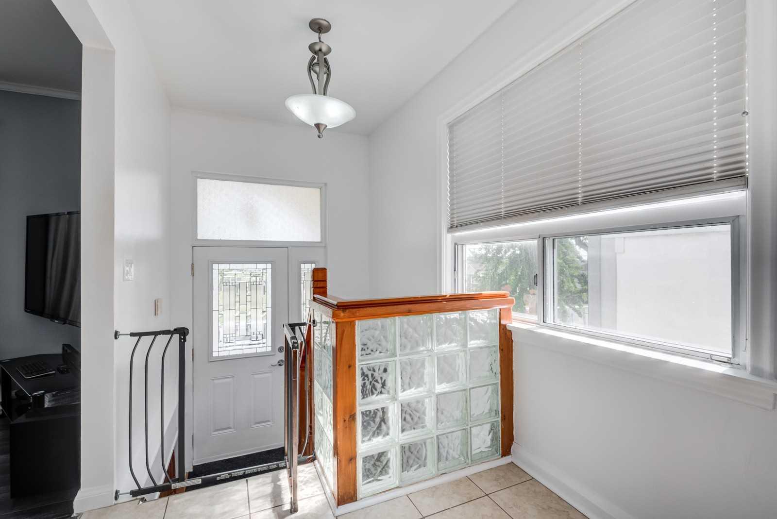 218 Calvington Dr, Toronto W4560430